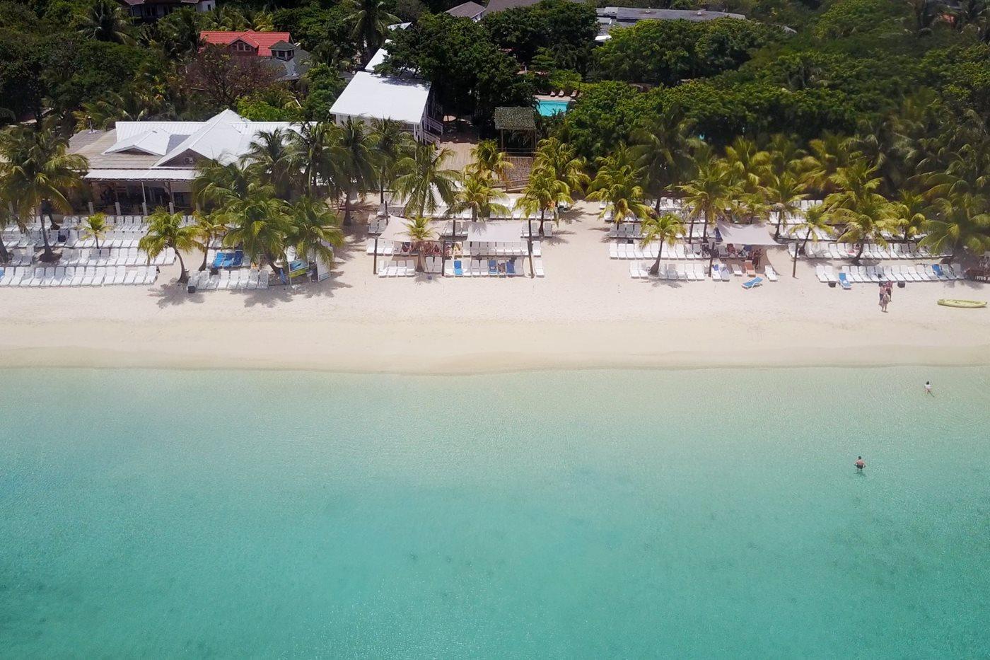 Henry Morgan Hotel Beach Resort