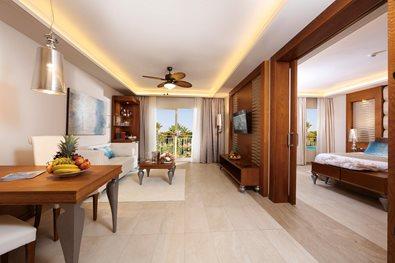 Majestic mirage punta cana punta cana transat for Chambre avec bain tourbillon montreal