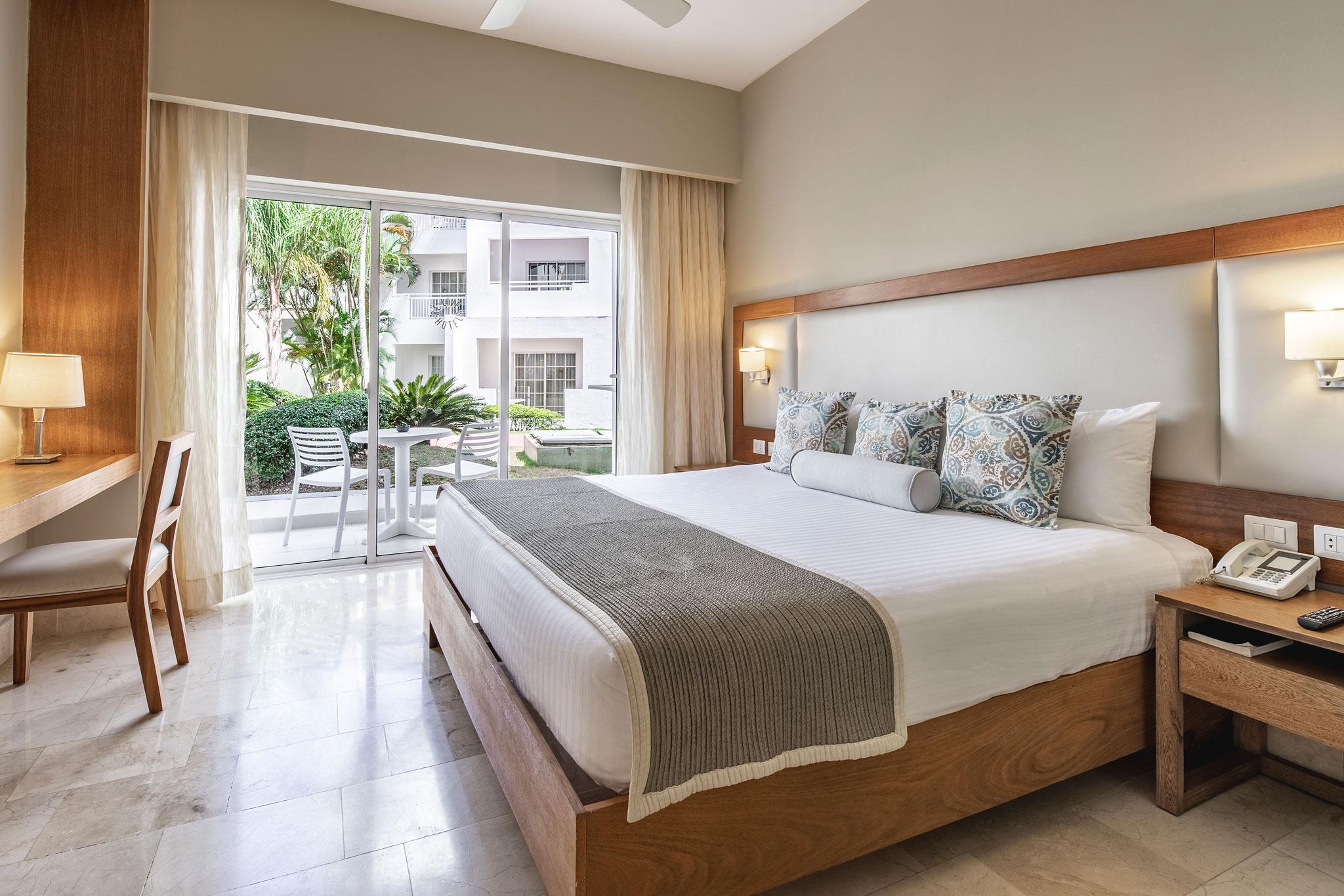 chambre de luxe hotel be live canoa pr l vement d 39 chantillons et une bonne id e. Black Bedroom Furniture Sets. Home Design Ideas