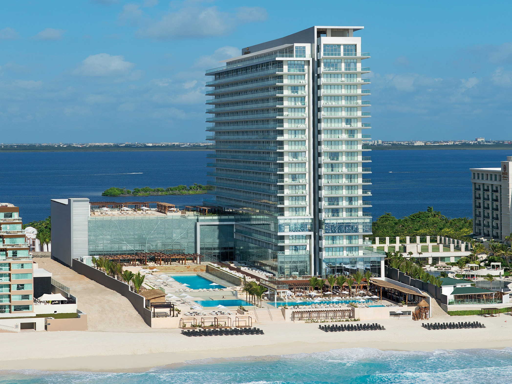 Secrets the vine cancun cancun transat for Hotels secrets