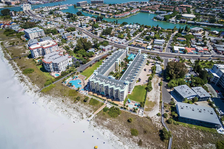 Sunset Vistas Beachfront Suites  Treasure Island  Transat