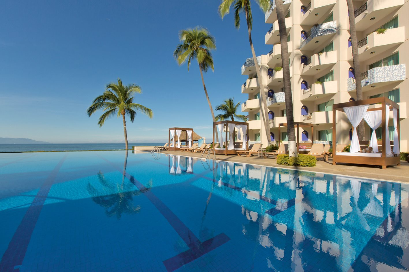 Crown Paradise Golden All Inclusive Resort Puerto