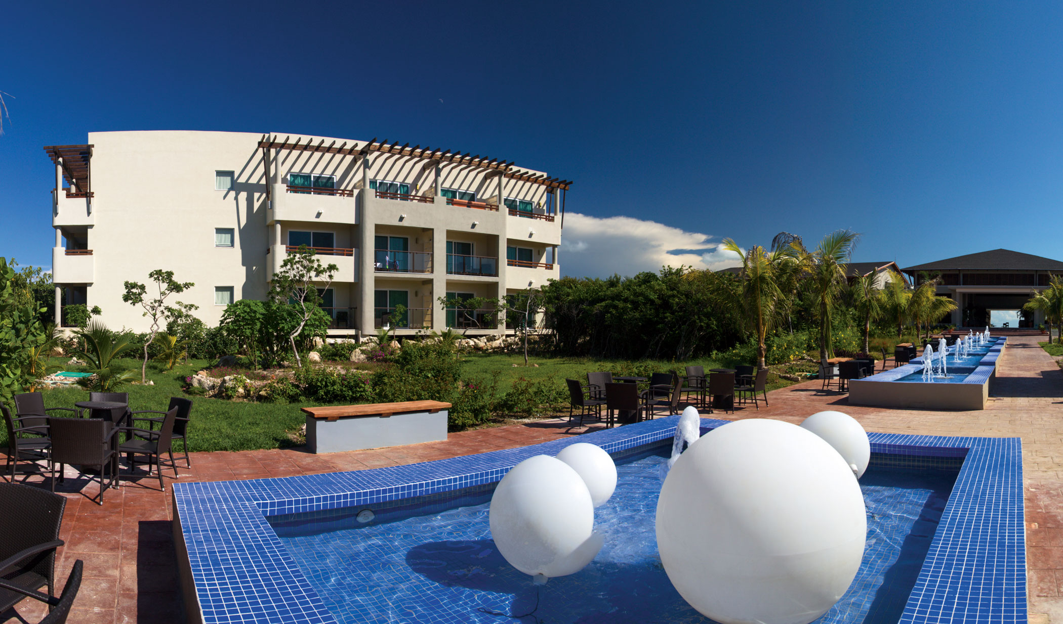 Golden Tulip Aguas Claras Resort Cayo Santa Maria Transat