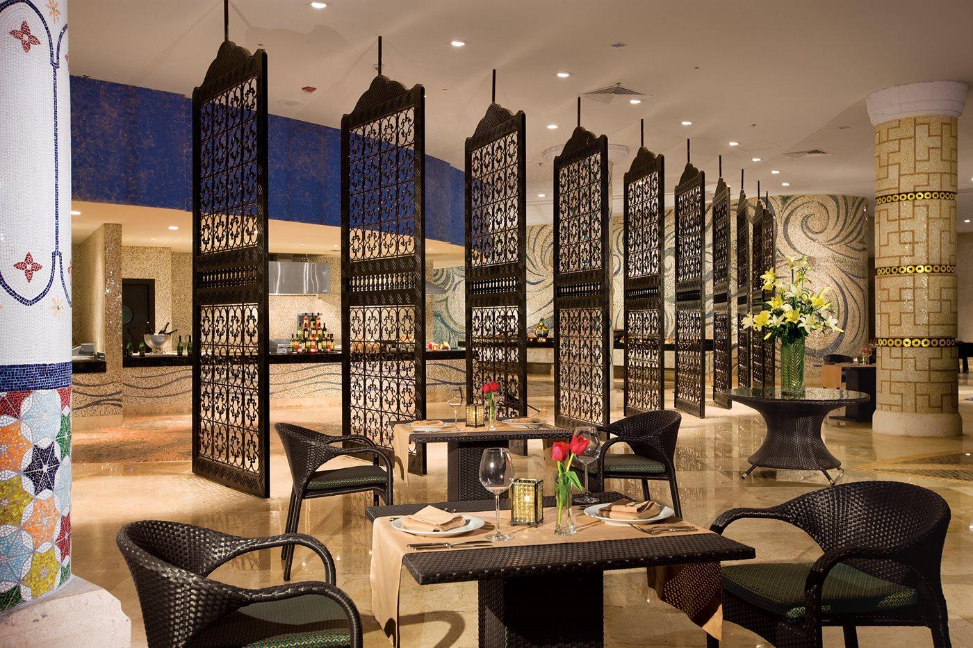 Restaurant World Cafe