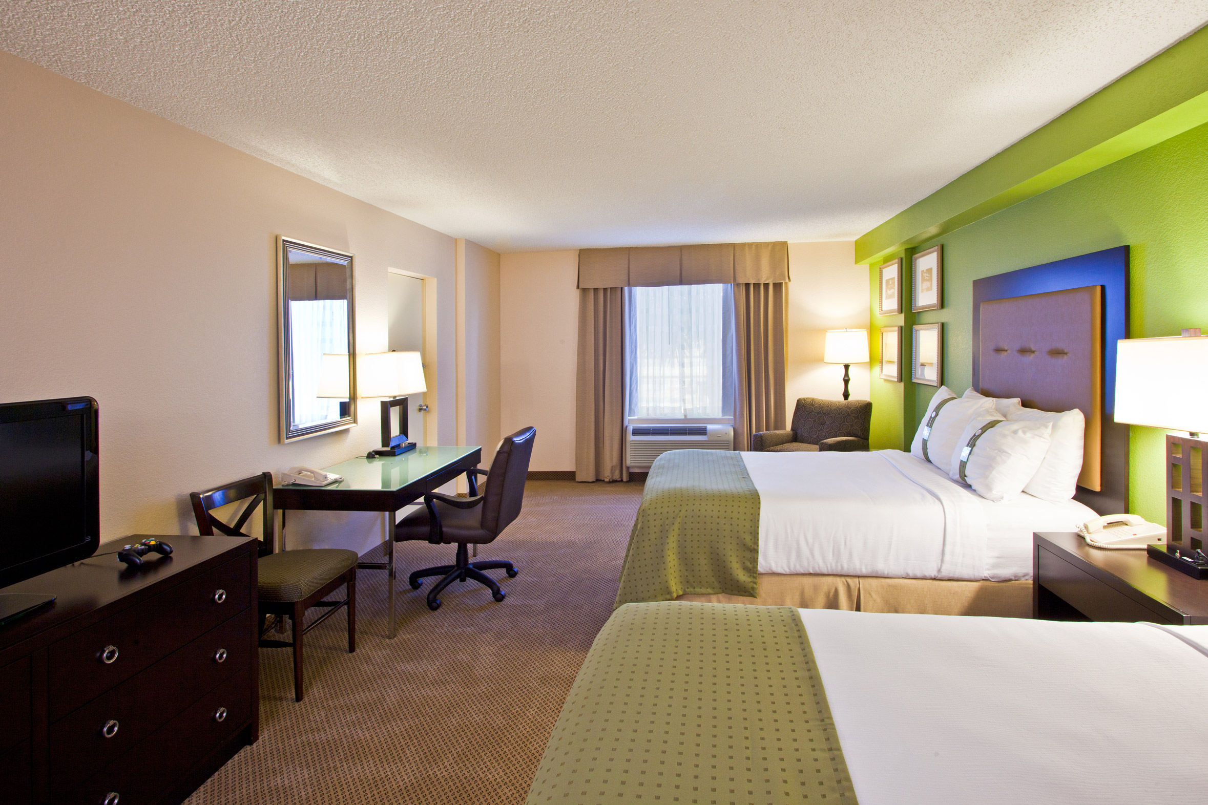 inn and suites across from universal orlando orlando transat