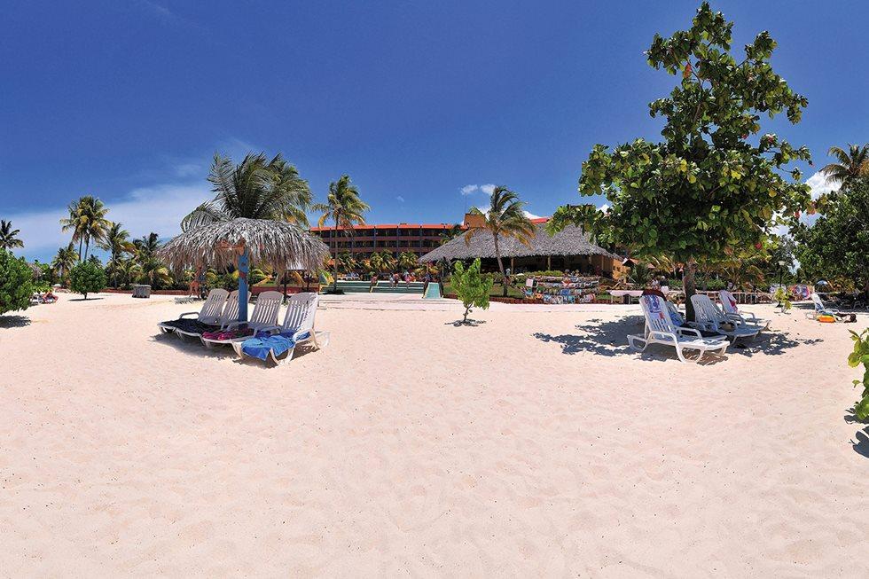 HOG_Brisas_Beach_001.jpg?width=980