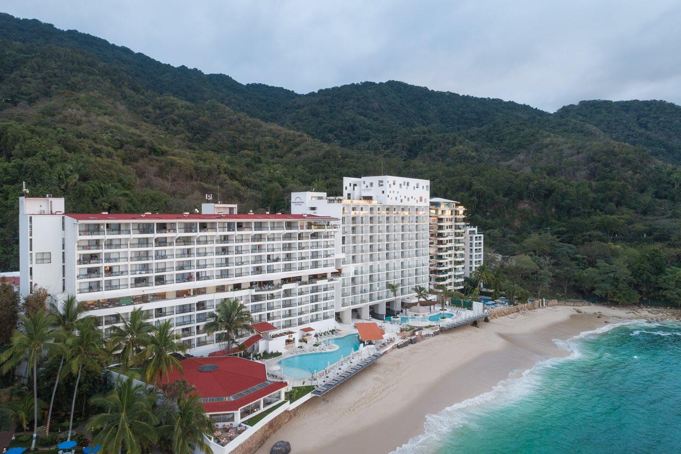 grand park royal luxury resort puerto vallarta puerto. Black Bedroom Furniture Sets. Home Design Ideas