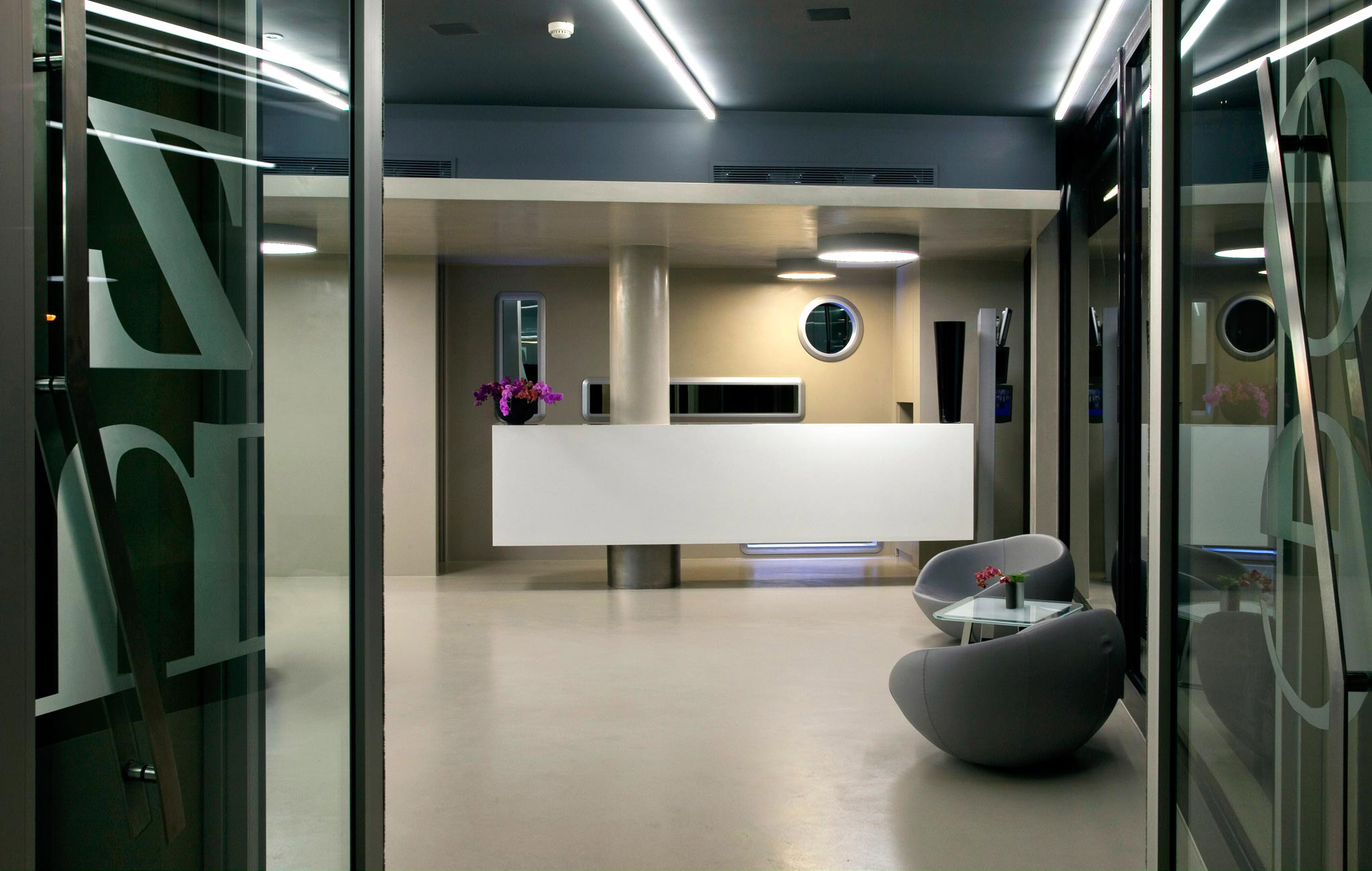 hotel zone rome transat. Black Bedroom Furniture Sets. Home Design Ideas
