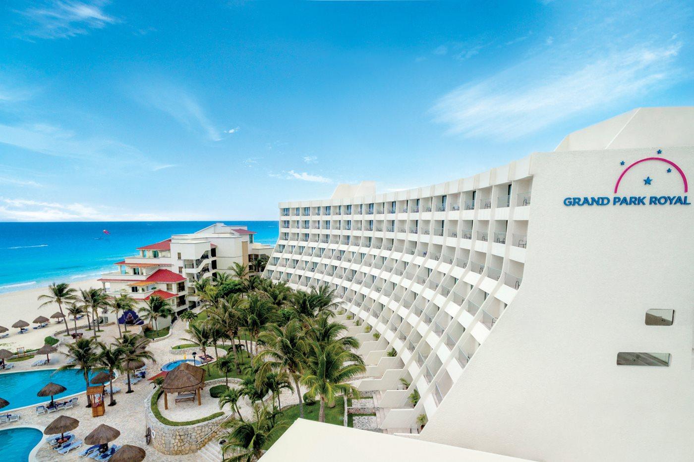 Park Royal Cancun >> Grand Park Royal Luxury Resort Cancun Cancun Transat